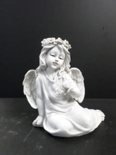 AF Larger Light Colored Sitting Angel