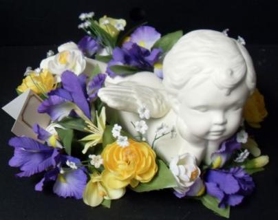 Laying Cherub Bouquet