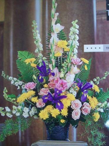 Elegant mix in a keepsake container