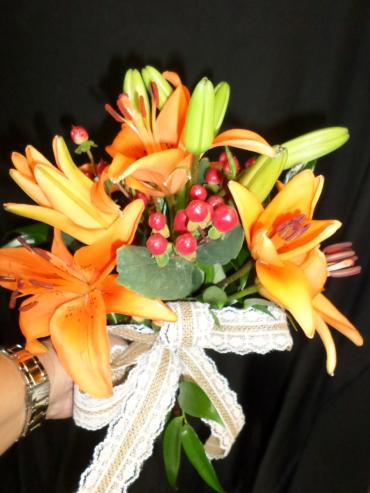 AF Orange Lily with hypercium berries
