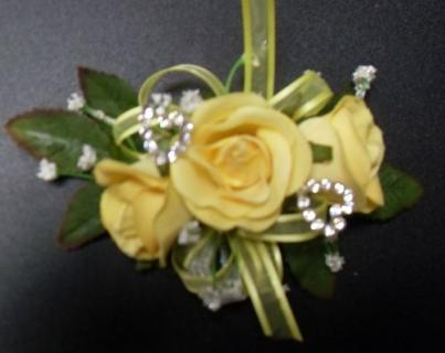 Arnold Florist Keepsake Corsage (yellow)