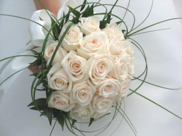AF White Rose Bouquet
