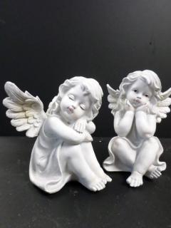 AF Lighter Colored Sitting Angels (Med.)
