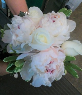 AF Specialty Peonies With Roses